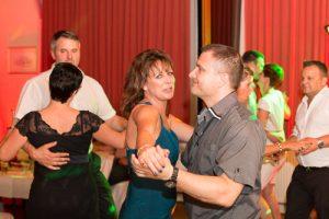 feiern und tanzen in grimma